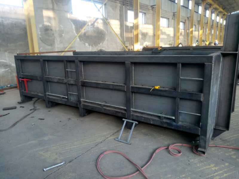 12M3 HEAVY DUTY HOOK LIFT